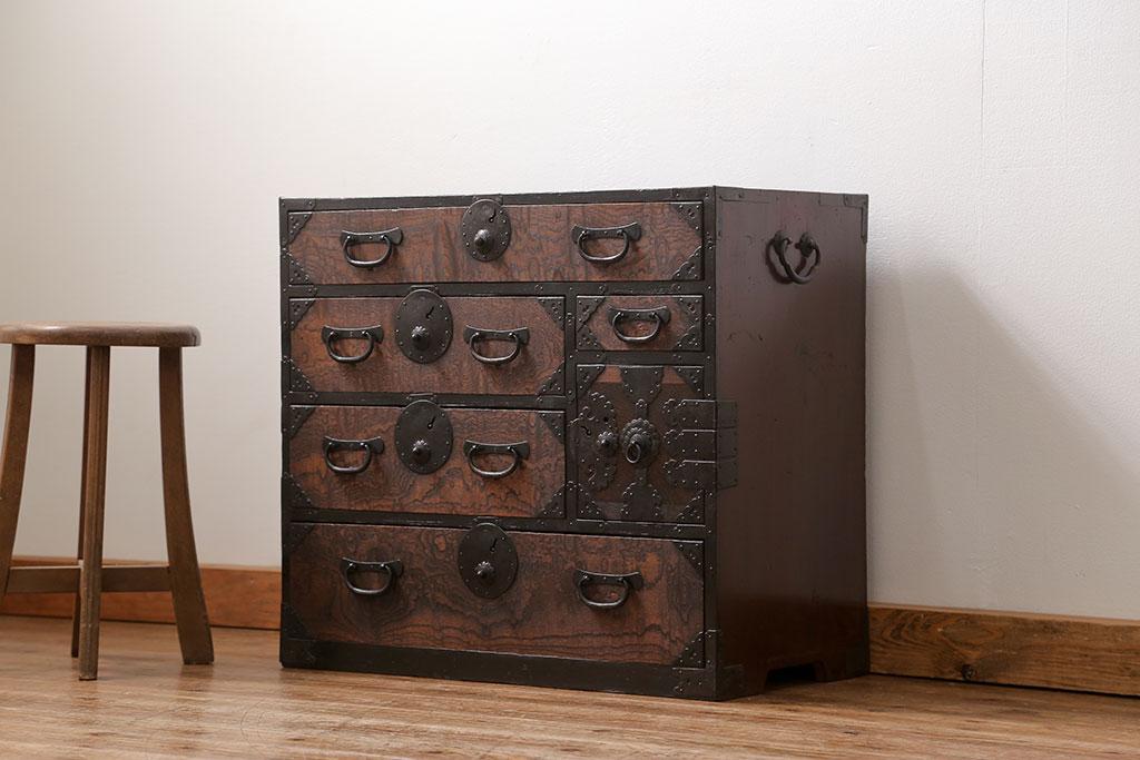古家具として使われていた小箪笥。