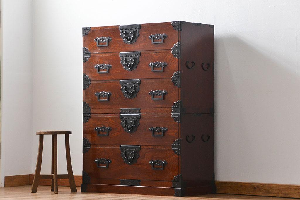 遺品整理で処分した古家具の箪笥。