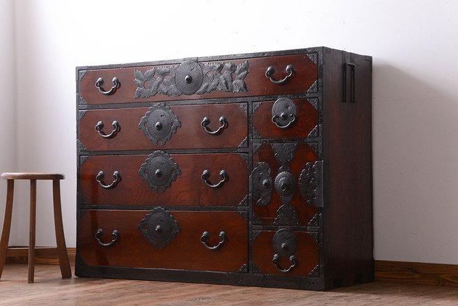 祖父母が使っていた古家具 倉庫に眠っていた仙台箪笥。