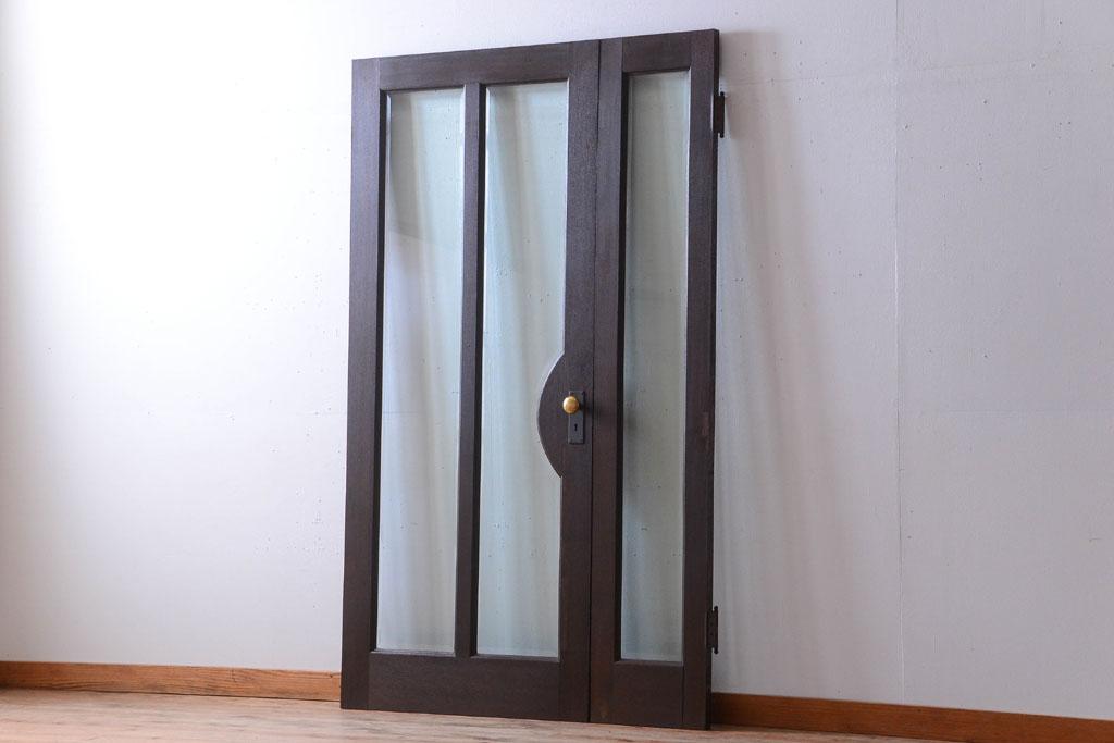 実家の建て替えで手放した古家具の大きなドア(ガラスドア)。