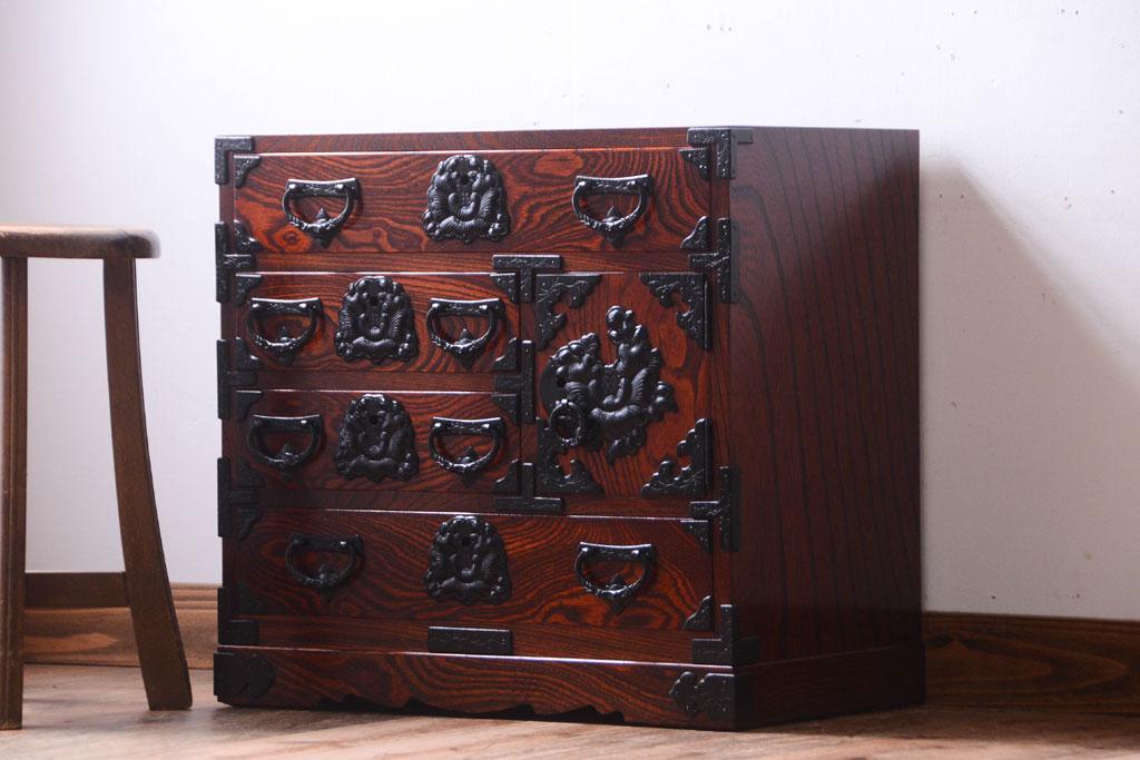 別荘で使っていた伝統民芸家具 岩谷堂箪笥。