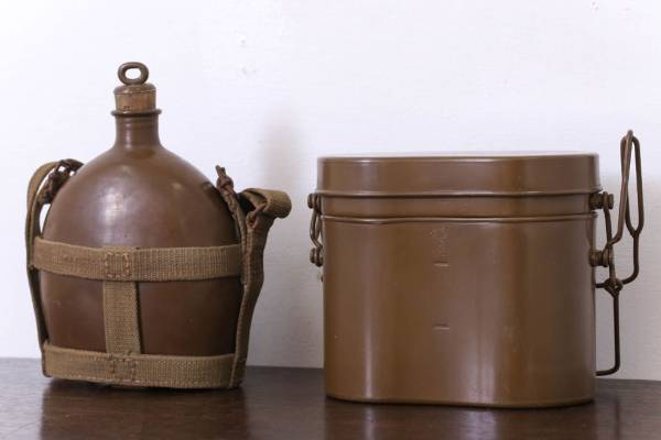処分した骨董品 旧日本軍 二重飯盒・水筒。
